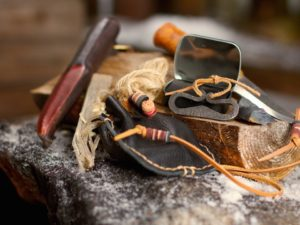 Hunters ready-to-use fire starting kit